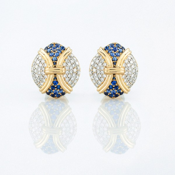 Earring-01-18K-Yellow-Gold-Earring-Set-With-Round-Blue-Sapphires-Round-Diamonds.