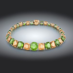 Necklace-01-18K-White-or-Pink-Gold-Necklace-Set-With-Peridots-Grossularite-Garnets.
