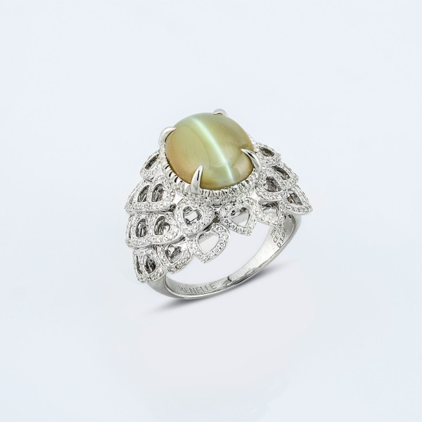 Rings-01-18K-White-Gold-Ring-Set-With-Oval-Chrysoberyl-Cats-Eye-Small-Round-Diamonds.