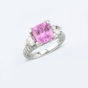 Rings-02-18K-White-Gold-Ring-Set-With-Cushion-Pink-Sapphire-Round-Diamonds.