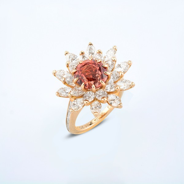 Rings-05-18K-Pink-Gold-Ring-Set-With-Round-Padmaraga-Marquise-Diamonds.